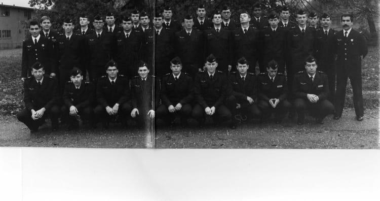 photo de classe photo de groupe de 1986 ba 136 toul rosieres copains d 39 avant. Black Bedroom Furniture Sets. Home Design Ideas