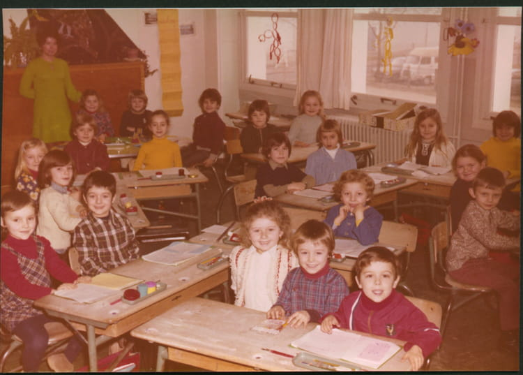 photo de classe cp de 1972 ecole romain rolland sainte genevieve des bois copains d 39 avant. Black Bedroom Furniture Sets. Home Design Ideas