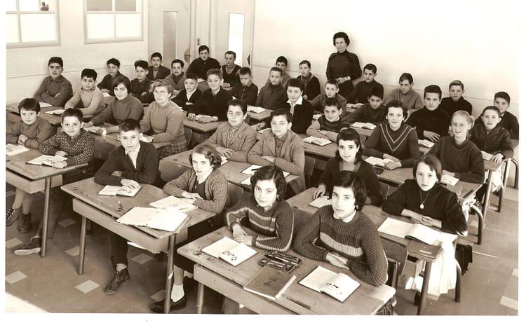 photo de classe 6 me de 1957 coll ge andr chamson copains d 39 avant. Black Bedroom Furniture Sets. Home Design Ideas