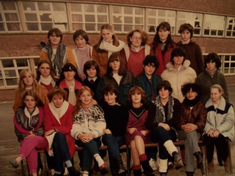 photo de classe etc3 de 1985 lyc e edouard gand copains d 39 avant. Black Bedroom Furniture Sets. Home Design Ideas