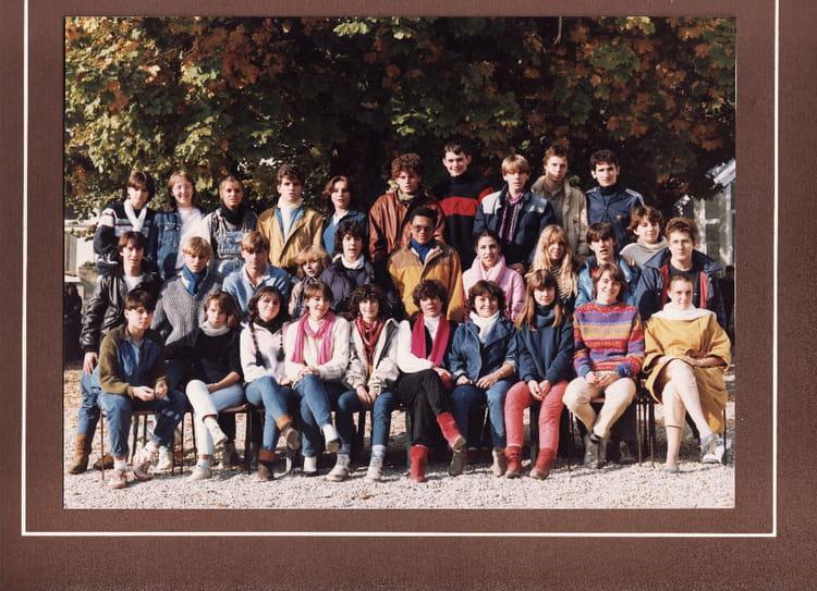 Photo de classe Tg2 de 1982, Itecboisfleury  Copains davant
