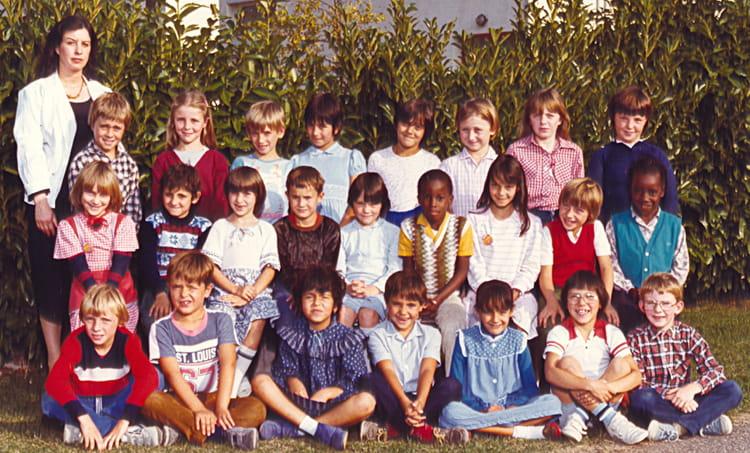 Photo de classe ce2 1983 1984 de 1983 ecole teilhard de for Piscine chapelle saint luc