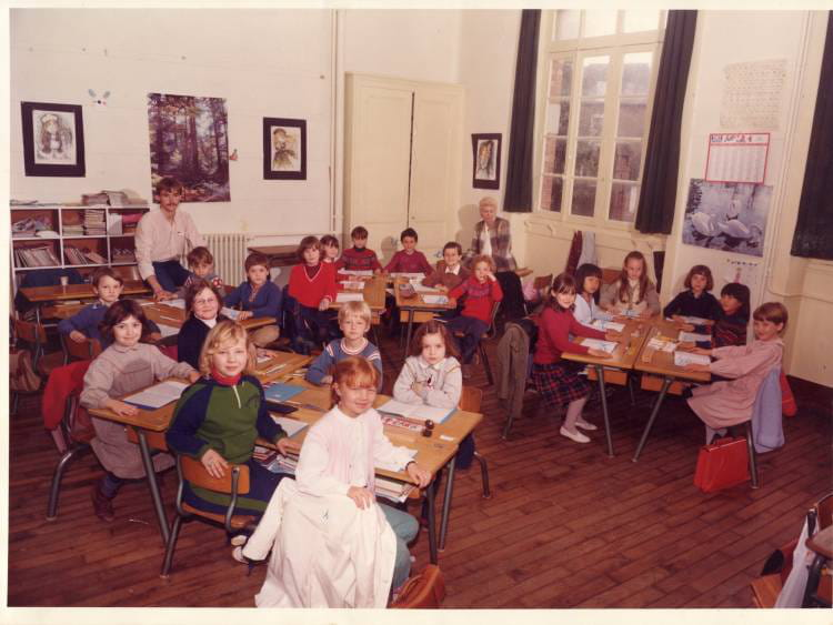 photo de classe ce1 de 1970 ecole claude debussy dinard copains d 39 avant. Black Bedroom Furniture Sets. Home Design Ideas