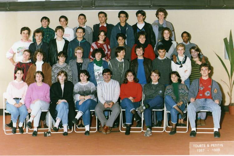 photo de classe 1ere12 de 1987 lyc e albert einstein copains d 39 avant. Black Bedroom Furniture Sets. Home Design Ideas