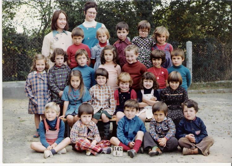 photo de classe ecole maternelle de 1976 ecole saint sulpice les feuilles saint sulpice les. Black Bedroom Furniture Sets. Home Design Ideas