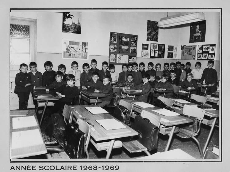 photo de classe classe cm1 de 1968 cole boulevard national 13003 marseille copains d 39 avant. Black Bedroom Furniture Sets. Home Design Ideas