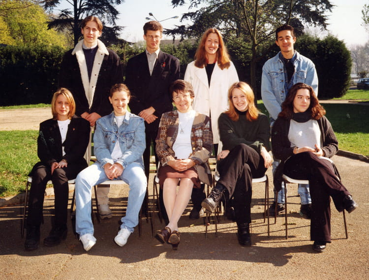 Cote De Villebon photo de classe terminale h3 de 1997, lycées les cotes de villebon