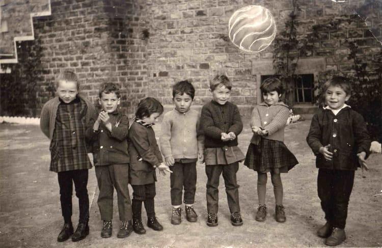 Photo de classe ecole de salon la tour de 1968 ecole for Salon la tour