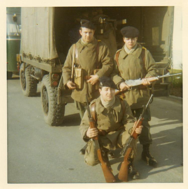 photo de classe une halte vers lacourtine de 1969 9 r giment de hussards copains d 39 avant. Black Bedroom Furniture Sets. Home Design Ideas