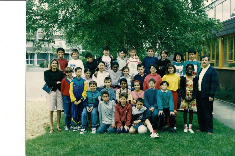 Photo de classe cm2 de 1993 ecole les pyramides la roche sur yon copains d 39 avant - Cours de cuisine la roche sur yon ...