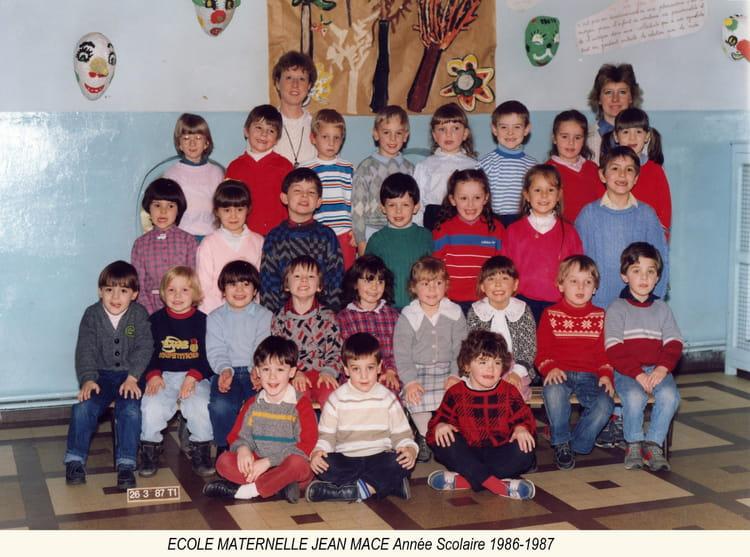 photo de classe maternelle jean mace de 1987 ecole jean mace hazebrouck copains d 39 avant. Black Bedroom Furniture Sets. Home Design Ideas
