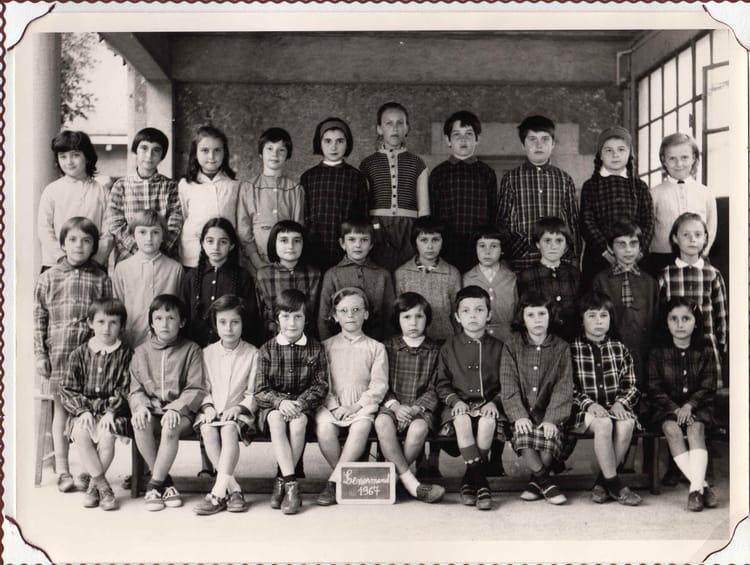 photo de classe ce1 1967 de 1967 ecole jules lenormand saint jean de la ruelle copains d. Black Bedroom Furniture Sets. Home Design Ideas