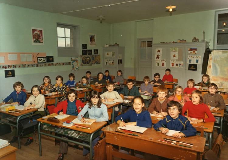 Photo de classe cm2 de 1973 ecole point du jour chateau du loir copains - Brocante chateau du loir ...