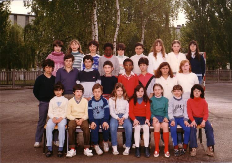 Photo de classe CM2c Mme Vinci de 1982, Ecole Jean Mace (Sainte Genevieve Des Bois) Copains d  # Auto Ecole Sainte Genevieve Des Bois