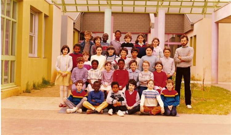 photo de classe ce2 1984 1985 de 1984 ecole jean racine le mee sur seine copains d 39 avant. Black Bedroom Furniture Sets. Home Design Ideas