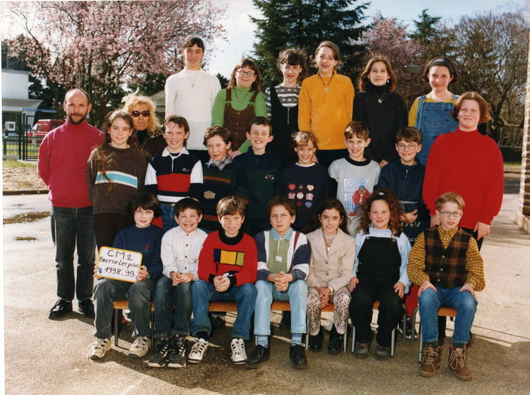 photo de classe cm2 de 1998 ecole primaire brette les pins copains d 39 avant. Black Bedroom Furniture Sets. Home Design Ideas