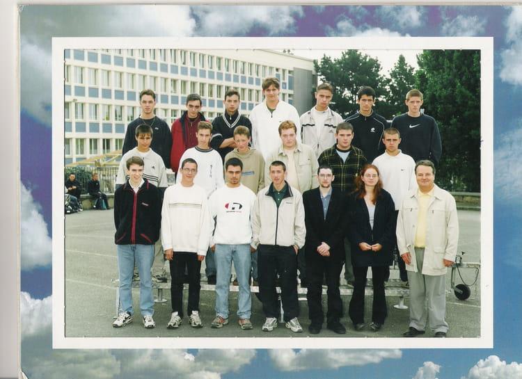 photo de classe 2 cap de 2000 lyc 233 e professionnel la croix copains d avant