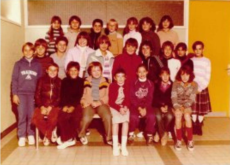 photo de classe 6 eme 1 de 1980 college henri barnier copains d 39 avant. Black Bedroom Furniture Sets. Home Design Ideas