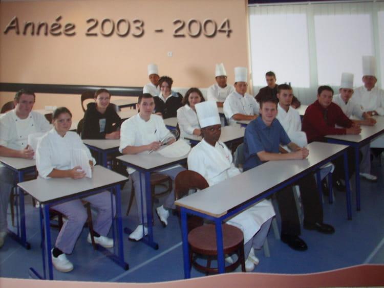 photo de classe ann u00e9e 2003 au lyc u00e9e hotelier de bonneville