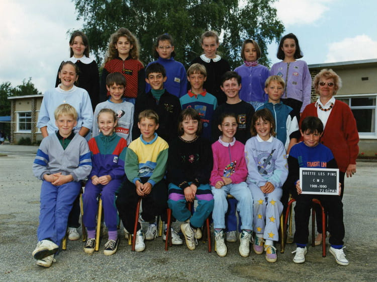 photo de classe cm2 de 1989 ecole primaire brette les pins copains d 39 avant. Black Bedroom Furniture Sets. Home Design Ideas