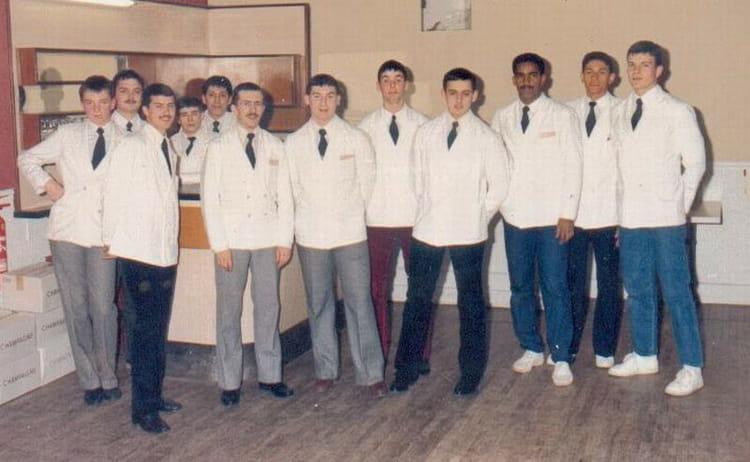 photo de classe epg chaumont de 1982 ecole gendarmerie chaumont esog copains d 39 avant. Black Bedroom Furniture Sets. Home Design Ideas