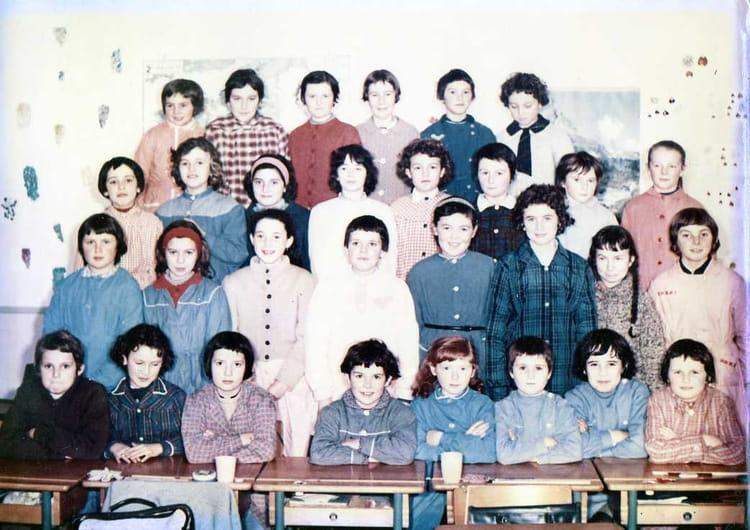 Photo De Classe Cours Moyen De 1962 Ecole La Madeleine Guingamp
