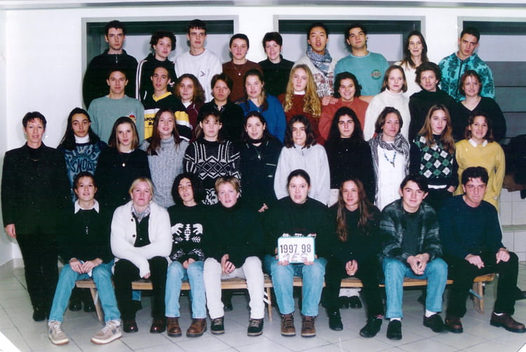 photo de classe 1 es 1998 de 1998 lyc 233 e portes de l oisans copains d avant