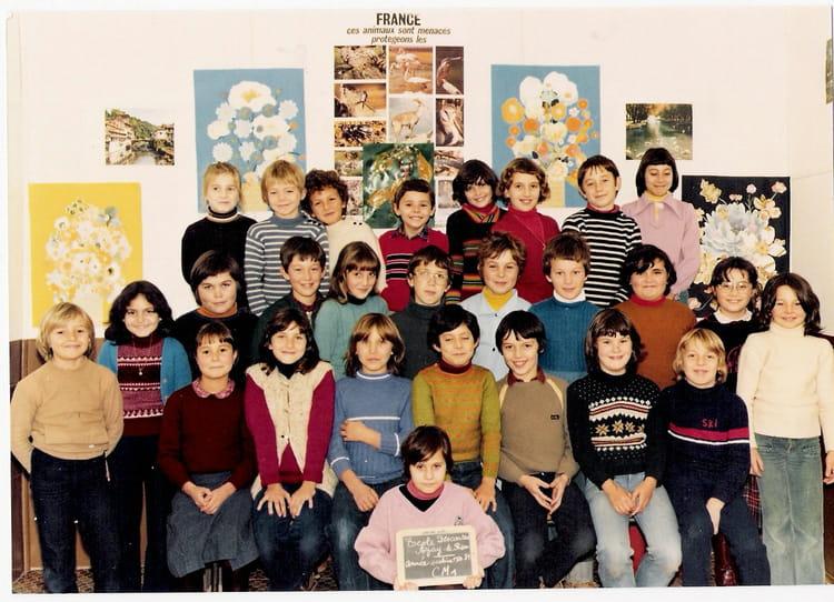 photo de classe cm1 de 1980 ecole ren descartes azay le rideau copains d 39 avant. Black Bedroom Furniture Sets. Home Design Ideas