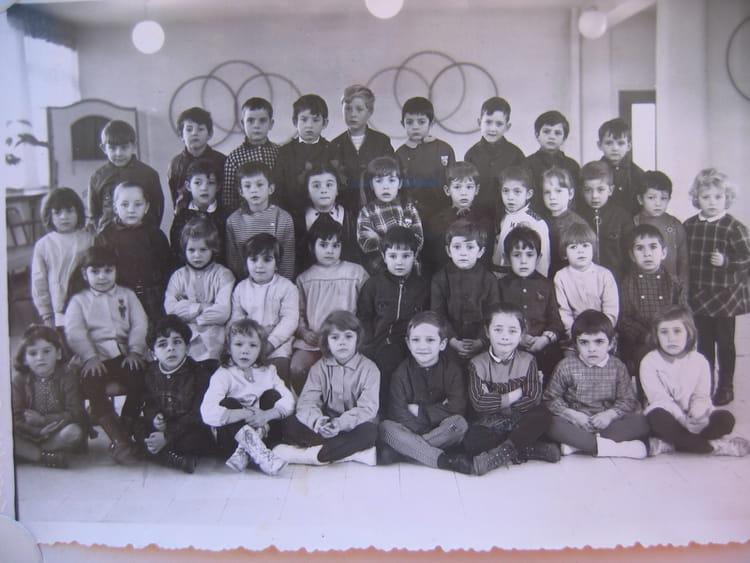 Photo de classe maternelle jean moulin de 1968 ecole jean moulin copains d 39 avant - Mr bricolage moulins ...