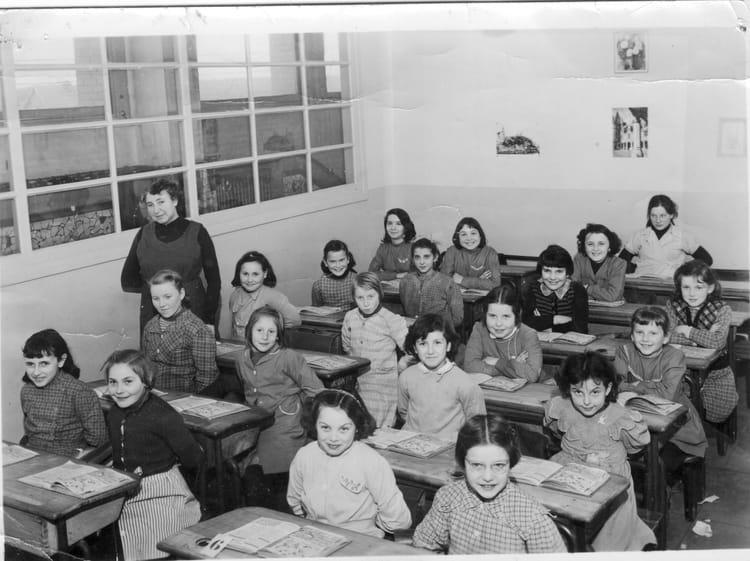 Photo de classe Primaire Ferdinand Buisson de 1957, Ecole Ferdinand Buisson (Sainte Genevieve  # Auto Ecole Sainte Genevieve Des Bois