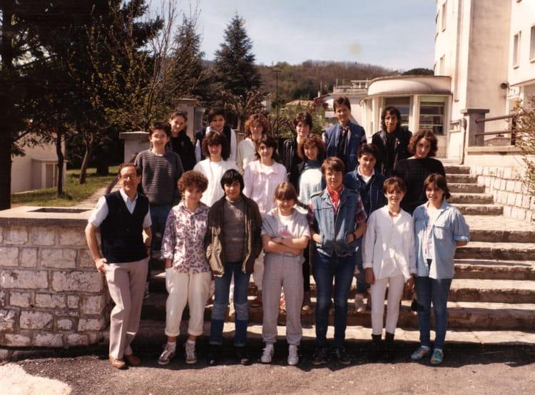 photo de classe 3 me 3 1985 86 de 1986 coll ge andr chamson copains d 39 avant. Black Bedroom Furniture Sets. Home Design Ideas