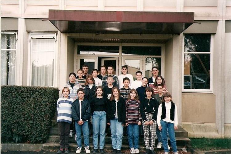photo de classe 4 233 me2 de 1997 coll 232 ge porte d anjou copains d avant