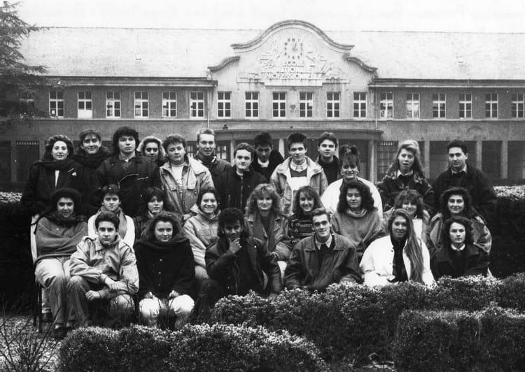 photo de classe terminale g2 de 1991 lyc 233 e portes de l oisans copains d avant