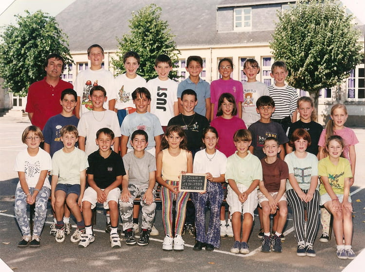 photo de classe cm2 de 1998 ecole saint joseph saint julien de concelles copains d 39 avant. Black Bedroom Furniture Sets. Home Design Ideas