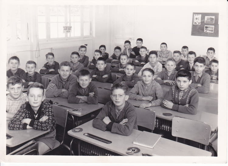 photo de classe ecole des charreaux de 1959 ecole les charreaux chalon sur saone copains d. Black Bedroom Furniture Sets. Home Design Ideas