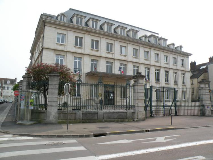 Photo de classe palais de justice de 2003 tribunal de for Tribunal d instance salon de provence