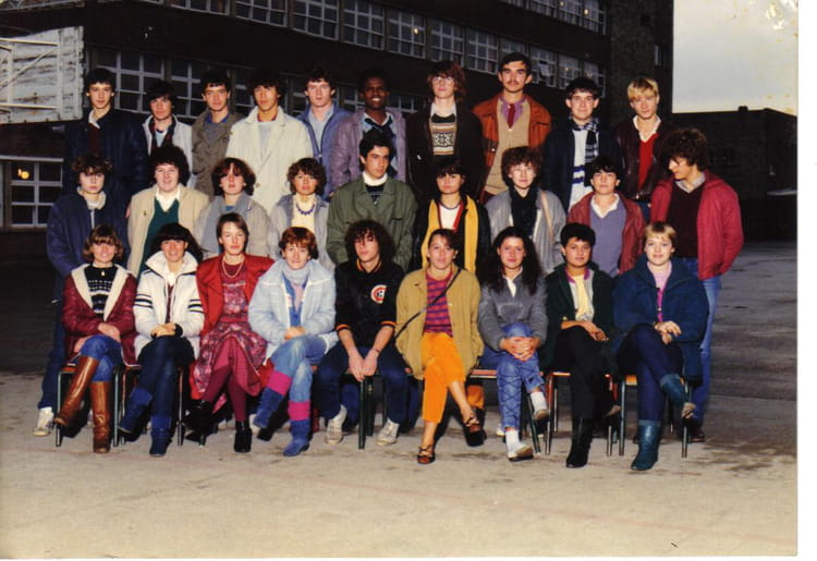 photo de classe premi re g3 de 1982 lyc e edouard gand copains d 39 avant. Black Bedroom Furniture Sets. Home Design Ideas