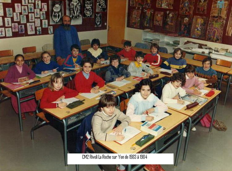 photo de classe cm2 rivoli la roche sur yon de 1983 1984 de 1983 ecole rivoli la roche sur. Black Bedroom Furniture Sets. Home Design Ideas