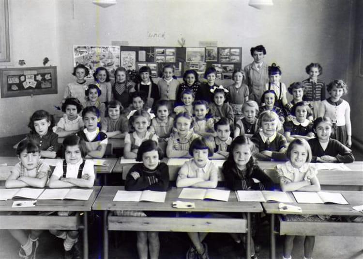 photo de classe claire 5 me 1952 53 st maur des foss s les tilleuls de 1954 ecole des. Black Bedroom Furniture Sets. Home Design Ideas