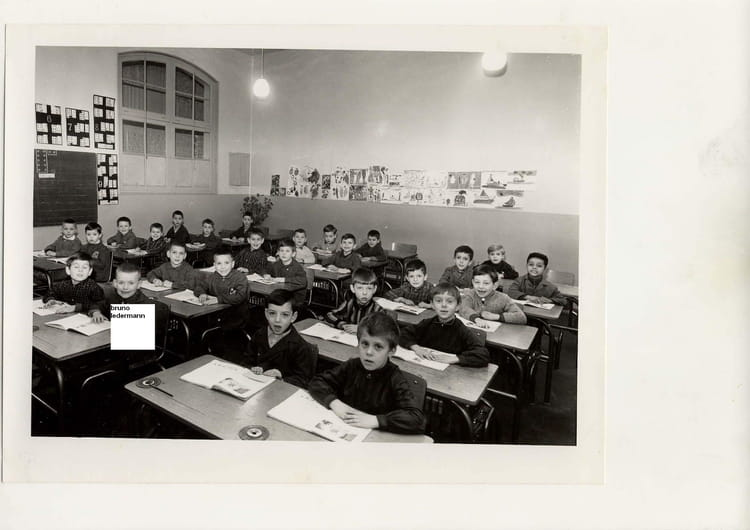 Photo de classe Mme Wiedzil de 1966, Ecole François Codet (Bois Guillaume)