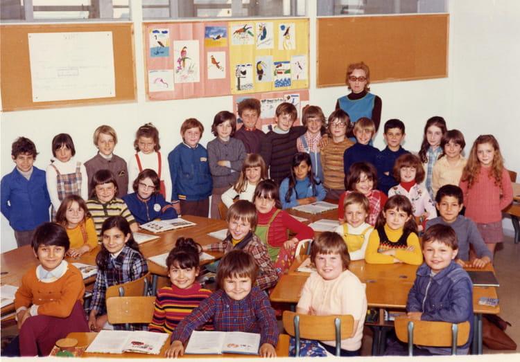 Photo de classe cp maitresse melle lemorvan ann e 70 71 de 1970 cole anatole france copains - Photo annee 70 ...