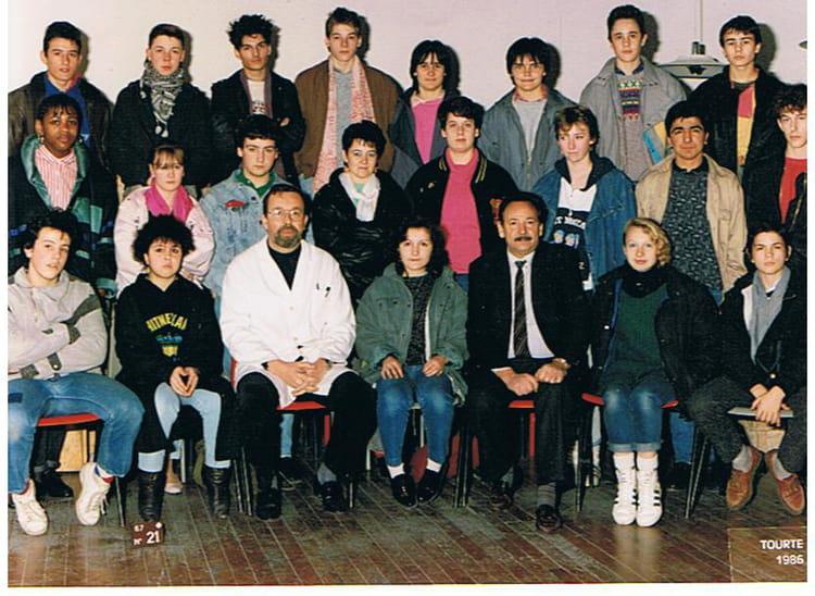 photo de classe 1 re ann e de tapisserie de 1986 ecole boulle copains d 39 avant. Black Bedroom Furniture Sets. Home Design Ideas