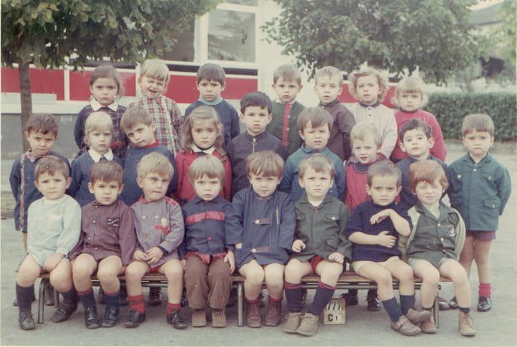 Photo de classe Petite section 70 71 de 1970, Ecole Irène Et ... c9ad17e9daee