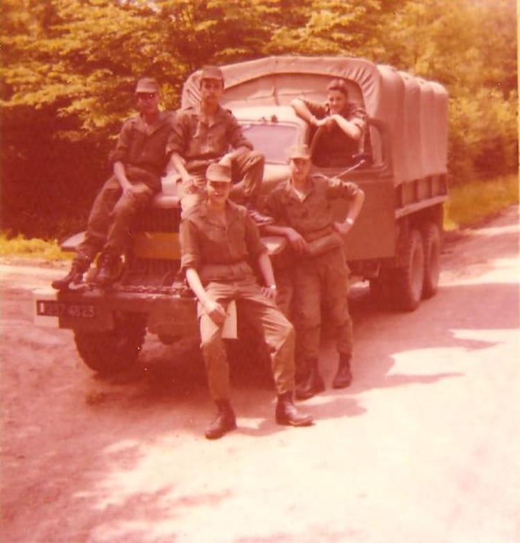 photo de classe 21 compagnie jours de conduite sur camion gmc de 1975 34 r giment du g nie. Black Bedroom Furniture Sets. Home Design Ideas