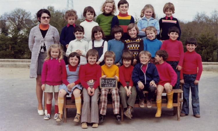 Photo De Classe Cp De 1975 Ecole Sainte Anne Plescop Copains D