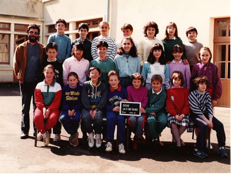 photo de classe maurice duveau cm2 1986 1987 de 1987 ecole maurice duveau copains d 39 avant. Black Bedroom Furniture Sets. Home Design Ideas