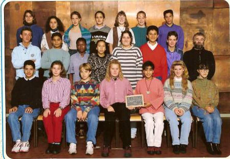 Photo de classe 3eme de 1993, ALBERT CAMUS - Copains d\'avant