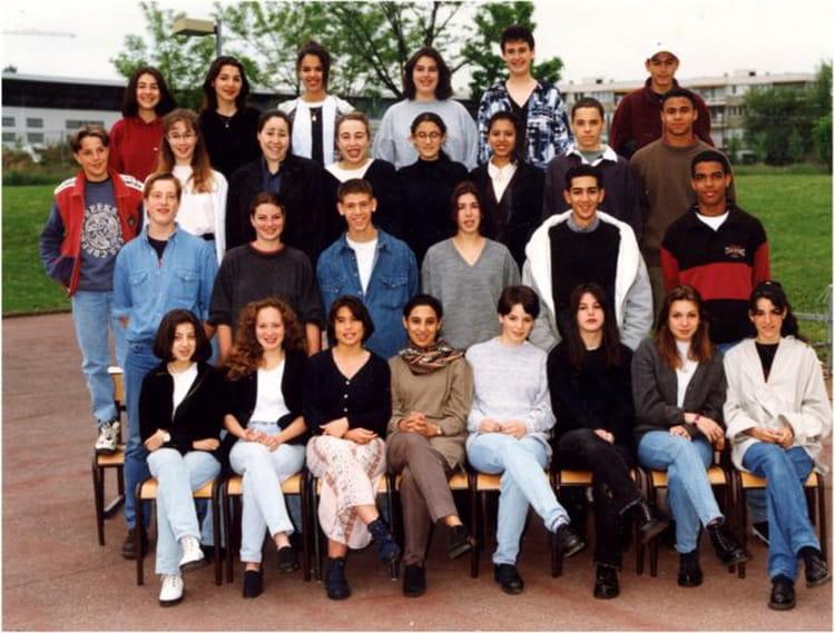 photo de classe seconde 2 de 1995 lyc e jean paul sartre copains d 39 avant. Black Bedroom Furniture Sets. Home Design Ideas