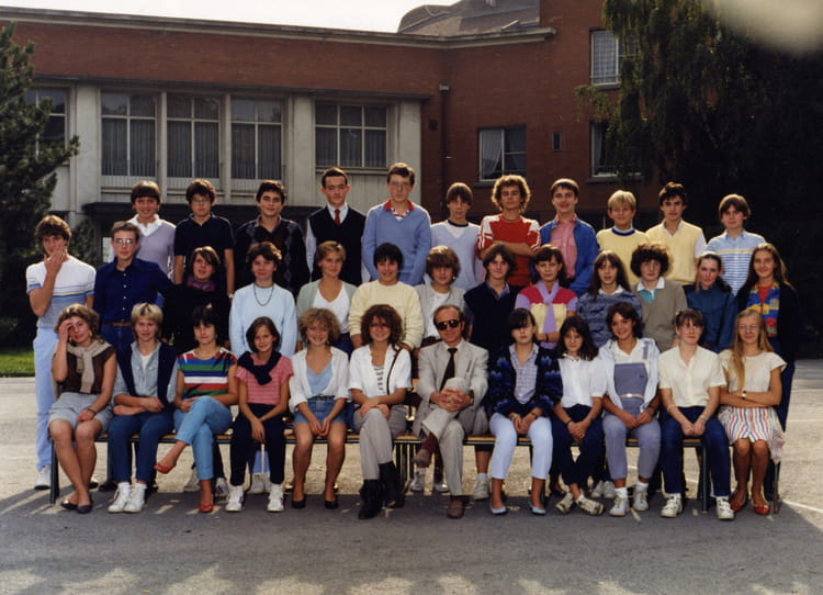Photo de classe seconde 1 de 1984 lyc e henri wallon for Domon plan b