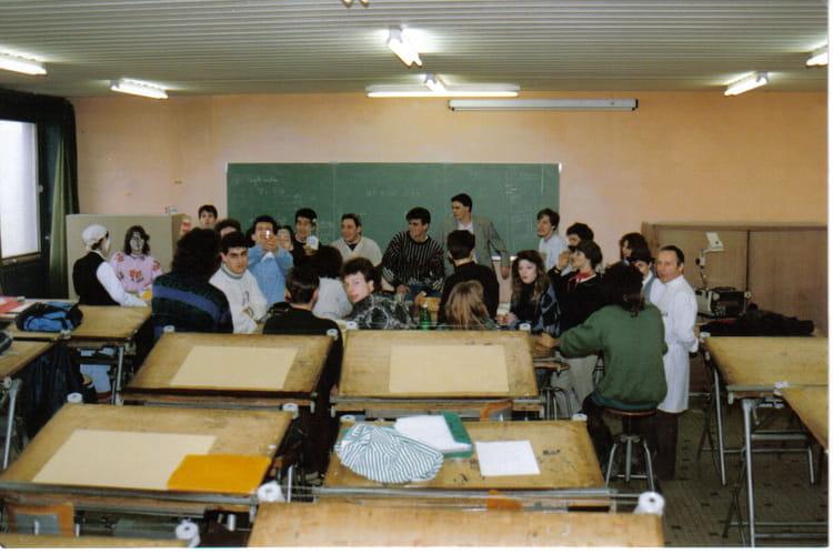 photo de classe tf1 de 1991 lyc e nicephore niepce copains d 39 avant. Black Bedroom Furniture Sets. Home Design Ideas